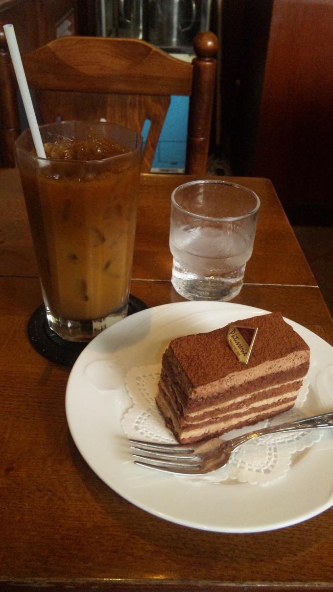 チョコレート・ケーキ・セット_20100814