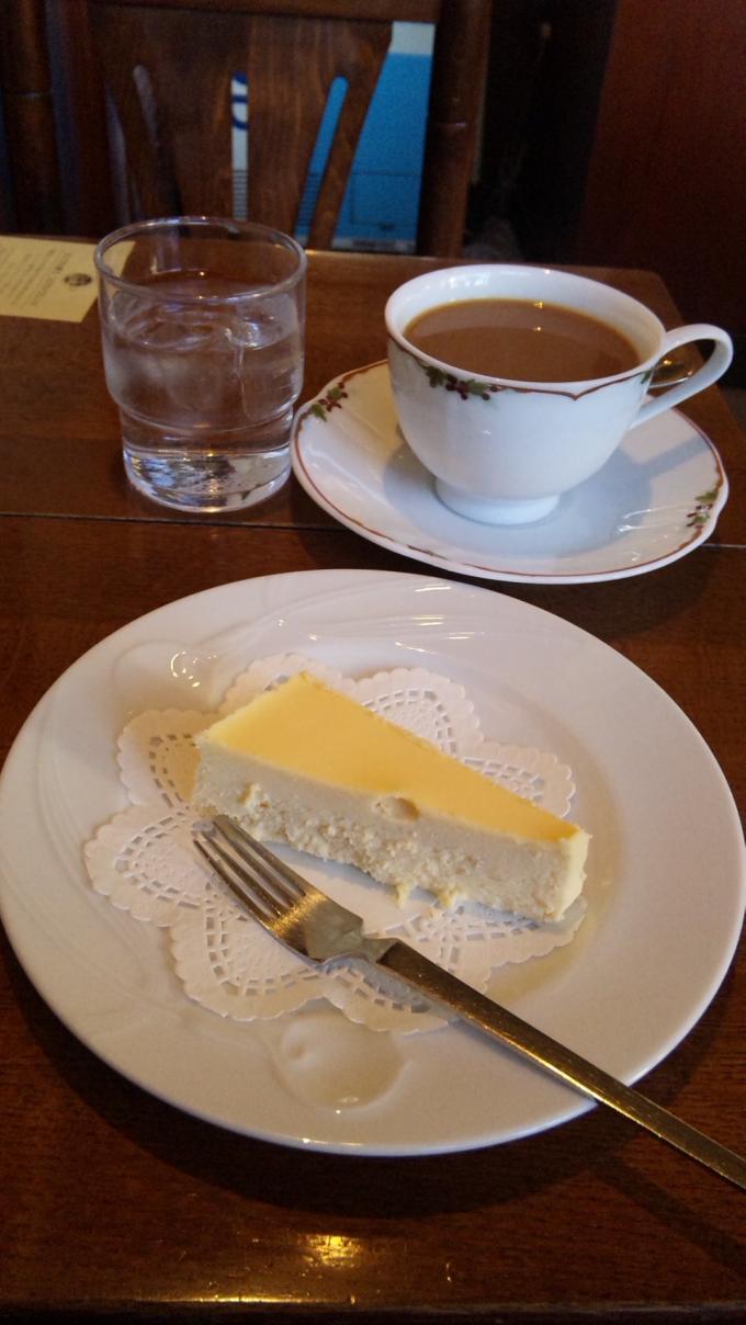 レア・チーズ・ケーキ&ブレンド_20101210