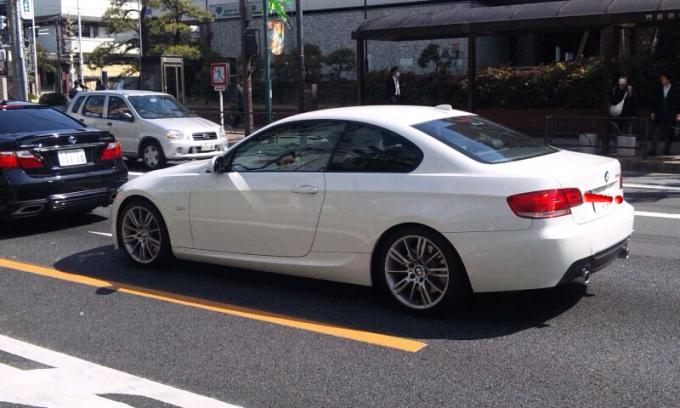 BMW   335i_20120406