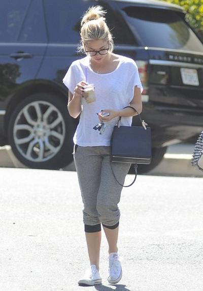 Ashley+Benson+Grabbing+Coffee+Friend+141004_03.jpg