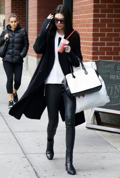 Kendall+Jenner+Out+NYC+w64JZd9amN5l