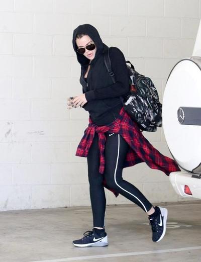 Khloe+Kardashian+gym+20140922_03.jpg