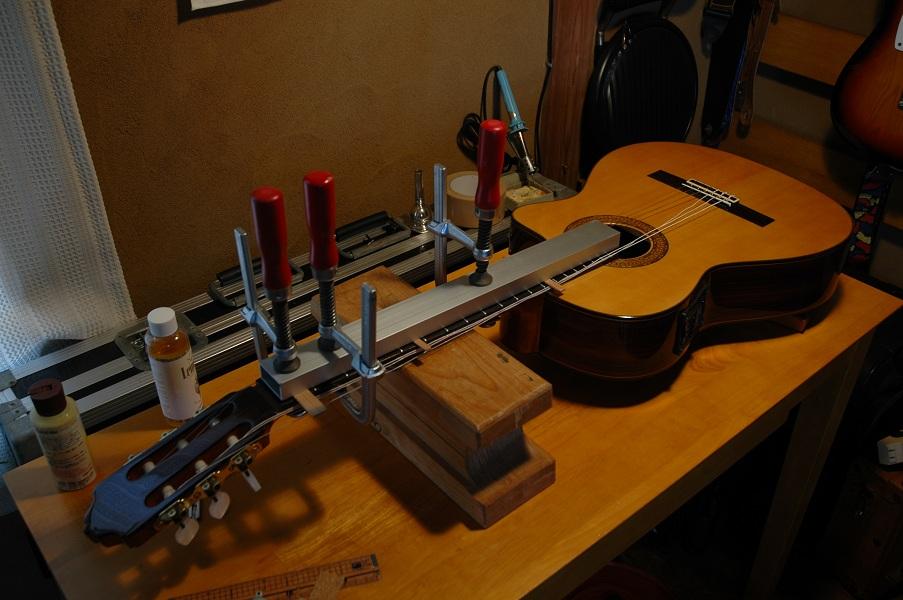 ネック 反り ギター