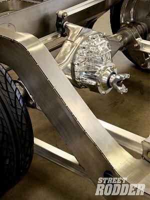 0902sr_13_z+roseville_rod_custom_1949_1951_mercury_chassis+rearend.jpg