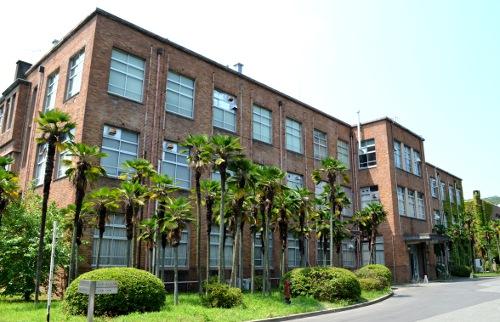 京都工芸繊維大学3号館