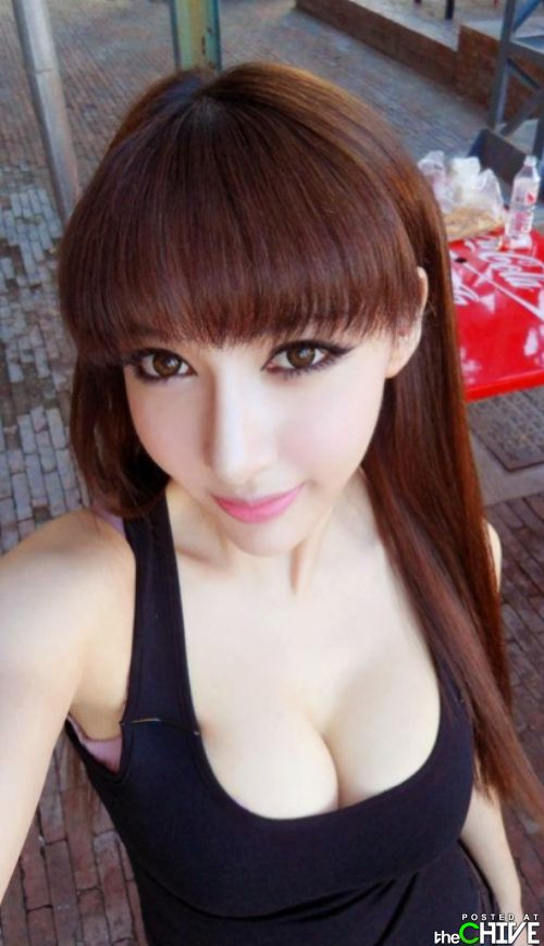 beautiful-busty-girls-women-boobs-28.jpg