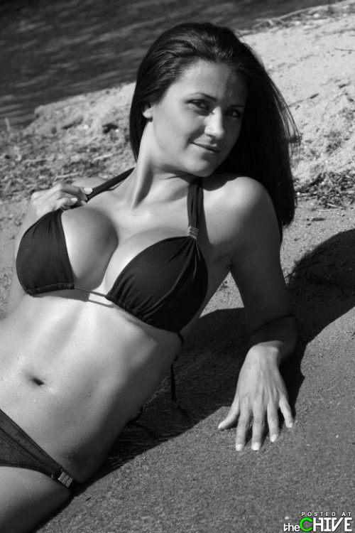 busty-hot-girls-women-cleavage-24.jpg