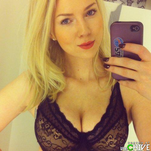 busty-hot-girls-women-cleavage-9.jpg