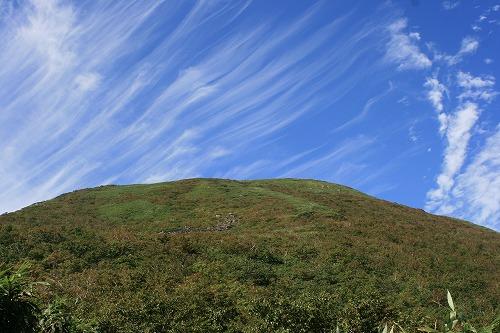 チセヌプリ山頂の雲100912