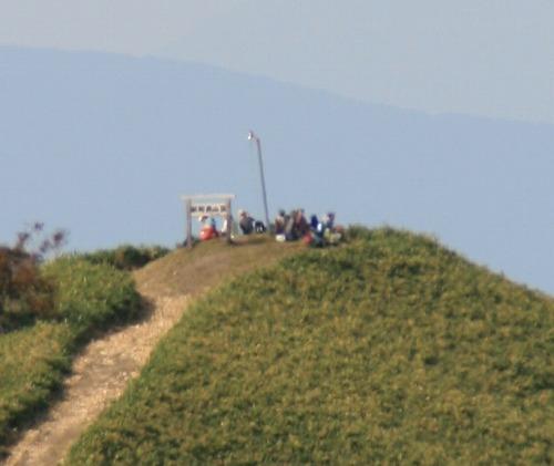 前紋別岳から紋別岳山頂を望む101002