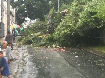 tornado-buhawi-quezon-city.jpg