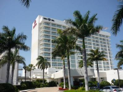 ヒルトン・fマリーナHilton Fort Lauderdale Marina Hotel の外観