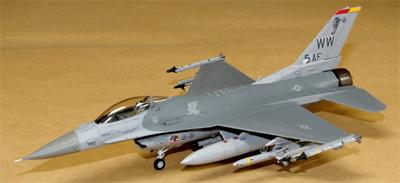 F16_44