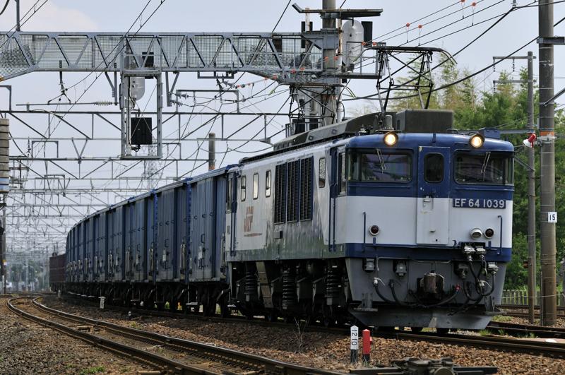 670レ EF64-1039号機