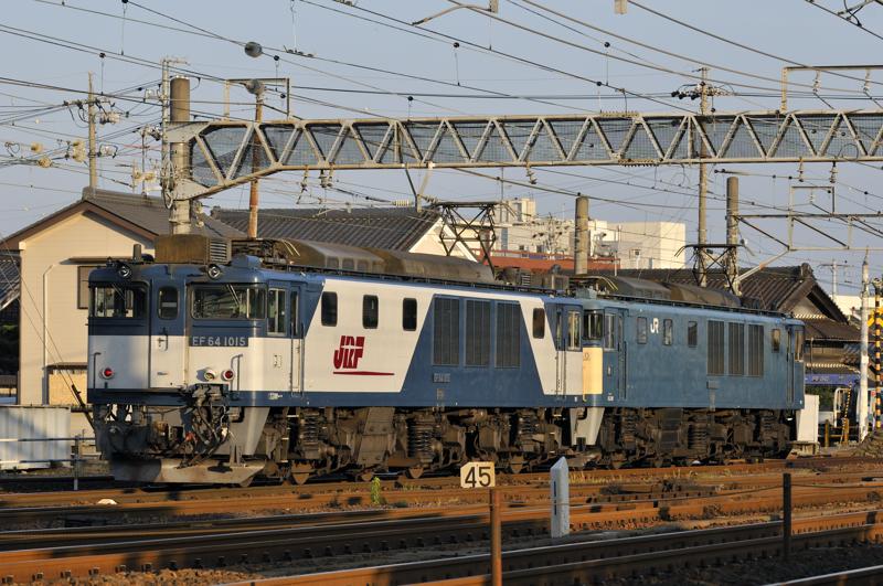 EF64-1015+1050号機