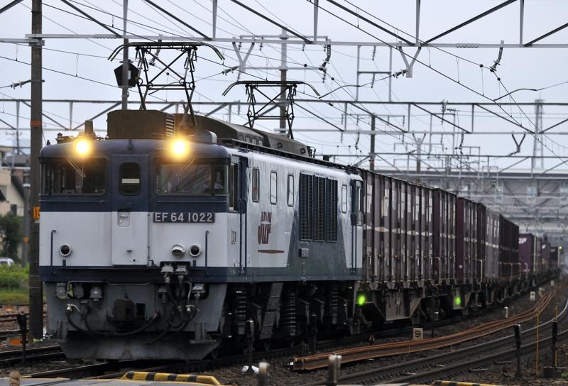 1551レ EF64-1022号機