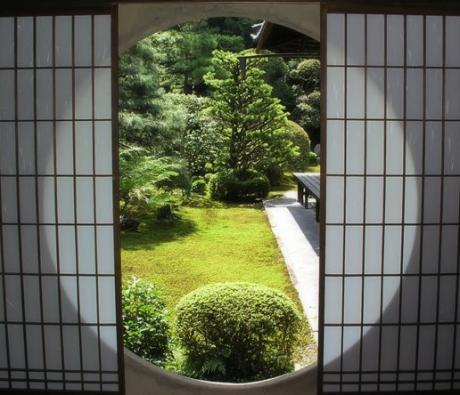 丸窓庭園1