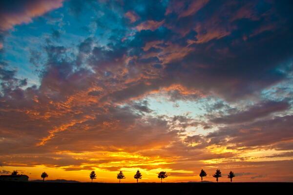 黒雲の夕焼け