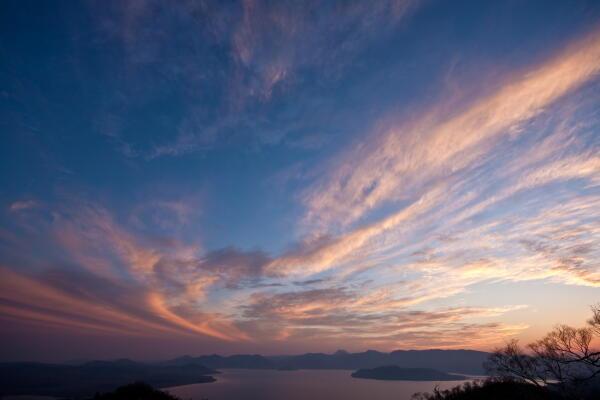 屈斜路湖上空の夕焼け  藻琴山より