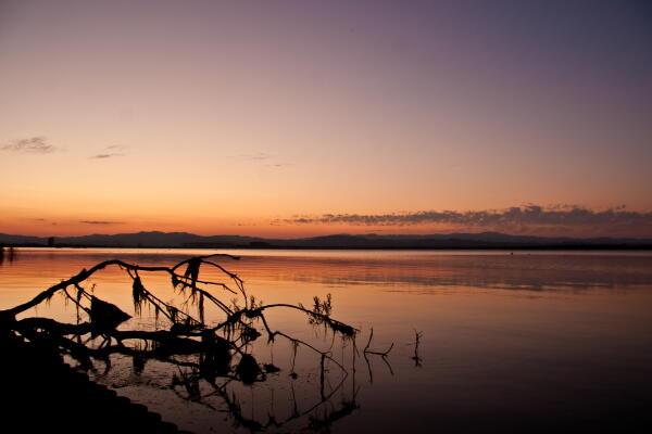 夕暮れの網走湖  女満別湖畔
