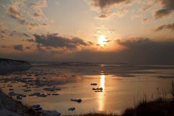 サンピラーと流氷