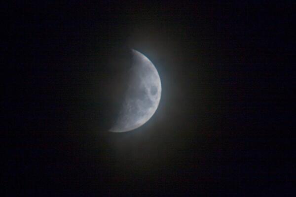 おぼろ月  月齢5.7