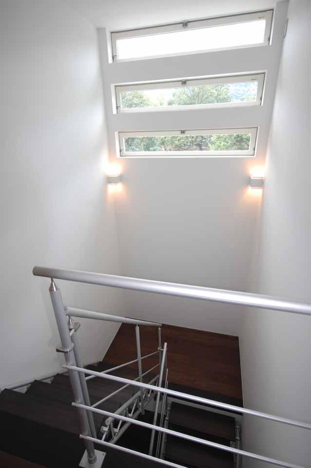 階段踊り場1212
