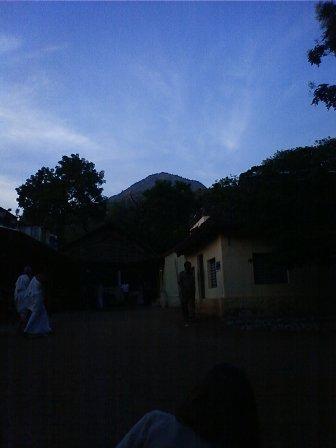 アルナーチャラにハートの雲