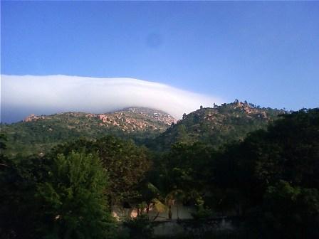 朝霧のアルナーチャラ