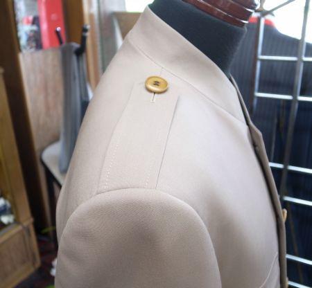 シェアスタジアムのオーダージャケットの肩章