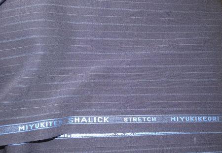 御幸毛織のシャリックというオーダースーツ生地