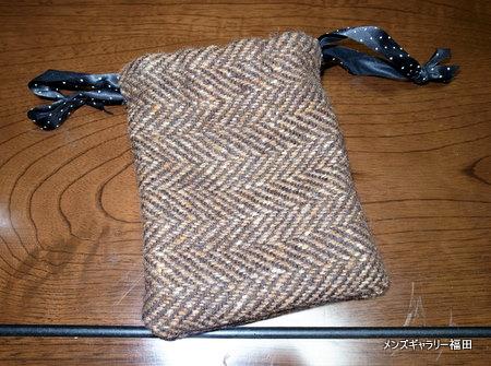 ドニゴールツイードの巾着袋