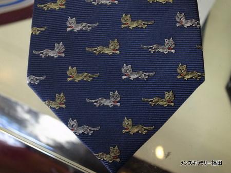 猫のネクタイ青