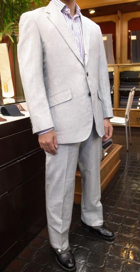リネンコットンシルクのスーツ
