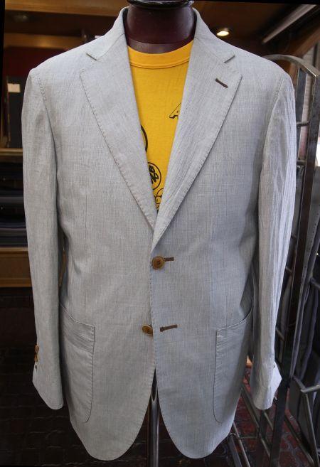 アイボリーホワイトスーツ