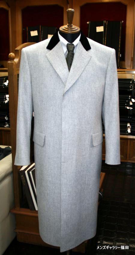 白いフランネルのチェスターコート