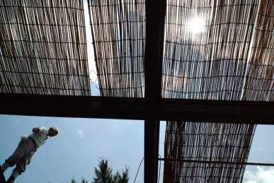 屋根のすだれ