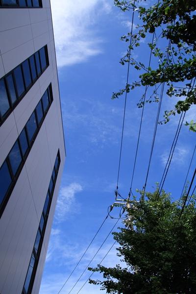 20110904 ビルと空_R