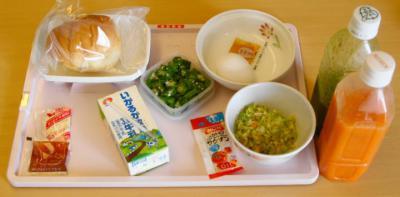 あ9月22日 朝食 パン+ジュース