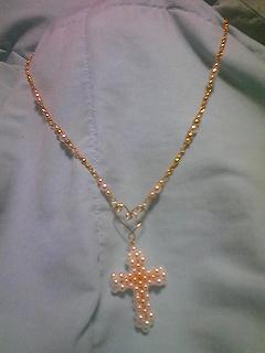 パールクロスのネックレス