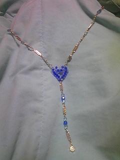 ブルーハートのシンプルネックレス