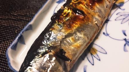 魚焼きグリルの姿焼メニューで秋刀魚を美味しく焼きました!2