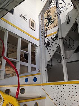 201409アート階段280x