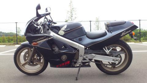 タイプ・価格 | CBR250RR | Honda