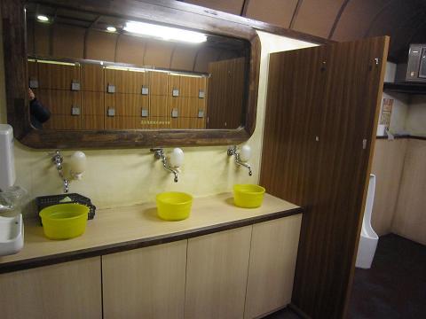 八王子ロマン地下、手洗い