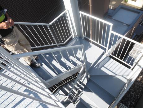 階段塗装後