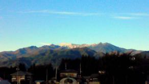 武尊山初冠雪