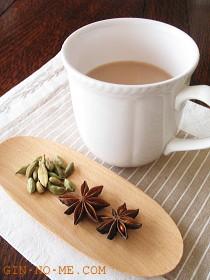 銀の芽紅茶店 チャイ