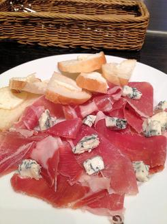 183生ハムとゴルゴンゾーラチーズ (2)