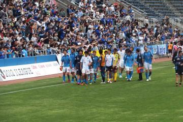 敗戦に、横浜FCイレブンは一様に浮かない顔・・・